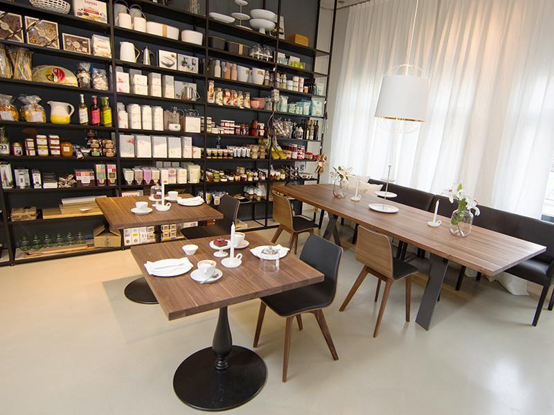 Café und Bistro, Erdgeschoss