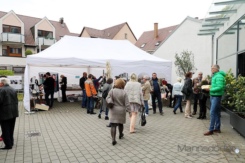 Schnauml;ppchenmarkt in unserem Innenhof